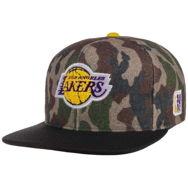 e17c33a0b22d1 Gorra HWC Camo Flannel Lakers by Mitchell   Ness - Gorras ...