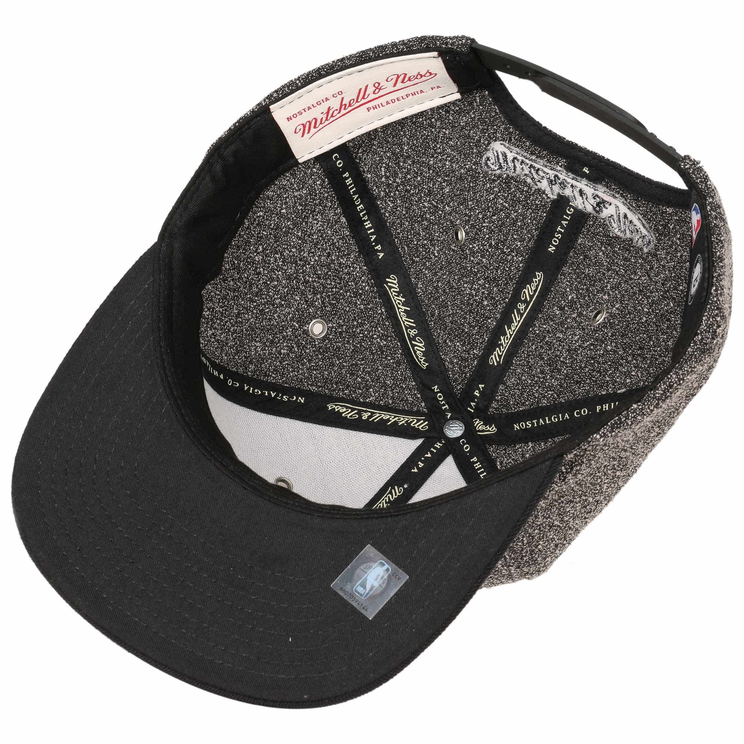 Gorra 2 Tone Nets by Mitchell   Ness - Gorras - sombreroshop.es 19487f8677a