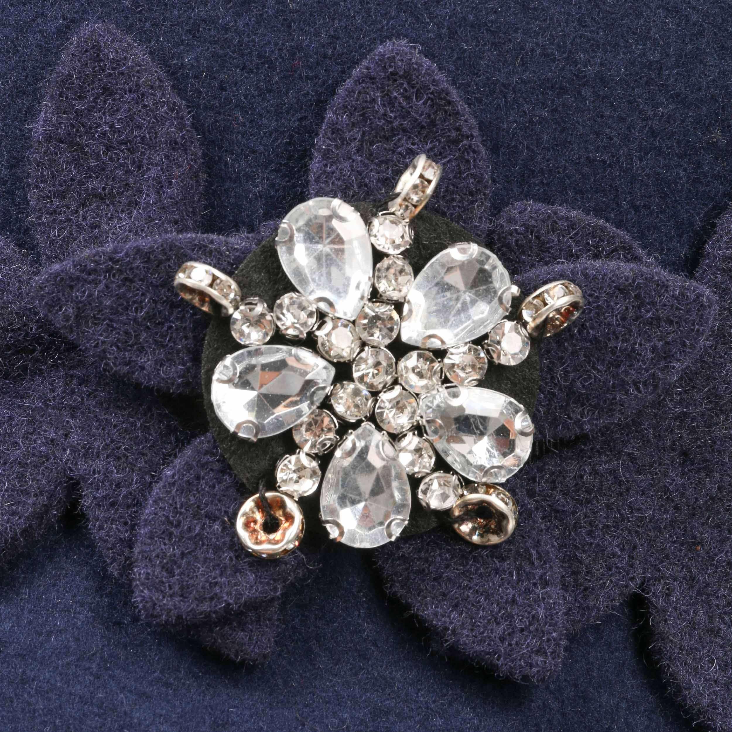 ... Sombrero Cloché con Flores y Estrás by Lipodo - azul 3 ... 29040725603